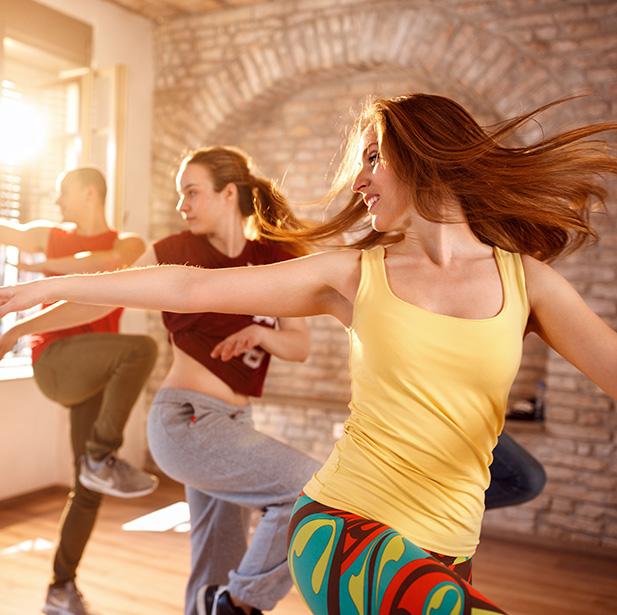 Consigue desde tonificación muscular y pérdida de calorías hasta el mejoramiento sustancial del ritmo y coordinación.