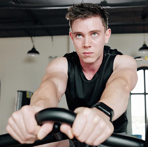 Trabaja la resistencia y genera un alto gasto calórico, mejora la circulación y fortalece el corazón.